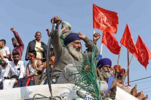 भारतमा झनै चर्कियो किसान आन्दोलन, क्यानाडाका प्रधानमन्त्रीकाे समर्थनपछि उच्चायुक्त निष्काशित