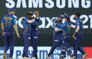 कोलकाताविरुद्ध मुम्बई १० रनले विजयी