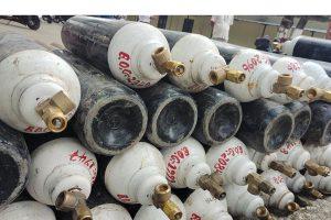चीनले दिएका १८ हजार खाली सिलिन्डर तातोपानी नाका पुगे